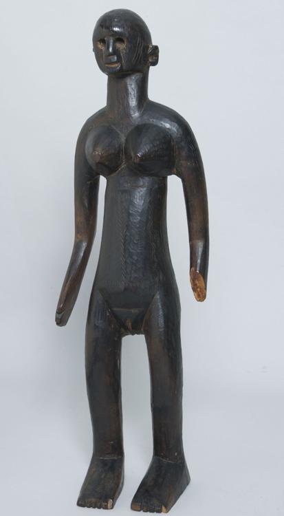 Artiste inconnu - S7 Nue (femme nue debout) - Обнаженная женская фигура (Обнаженная фигура стоящей женщины) - Bois sculpté, Mali ou Niger 49,5x10,5x12 - Acheté à la galerie Brummer le 13 juillet 1912 SC - Ne figure pas au catalogue 1913 - inv. Pouchkine Sc 280